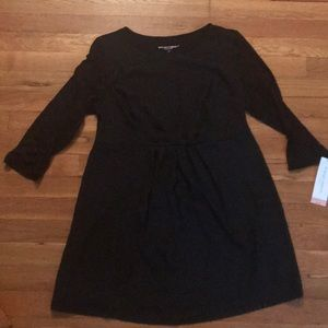 NWT Liz Lange maternity black top